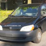 Fidèles et passionnés:  Eric et sa Toyota Echo 2002