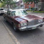 Rencontre inattendue d'un 1975 Chrysler Newport à Montréal