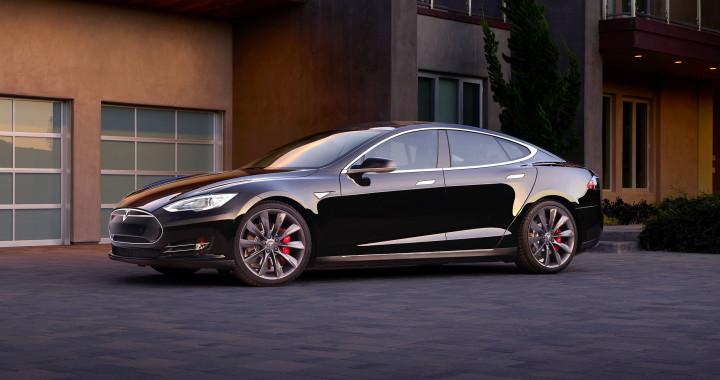 Tesla Model S avec fonction d'autopilotage