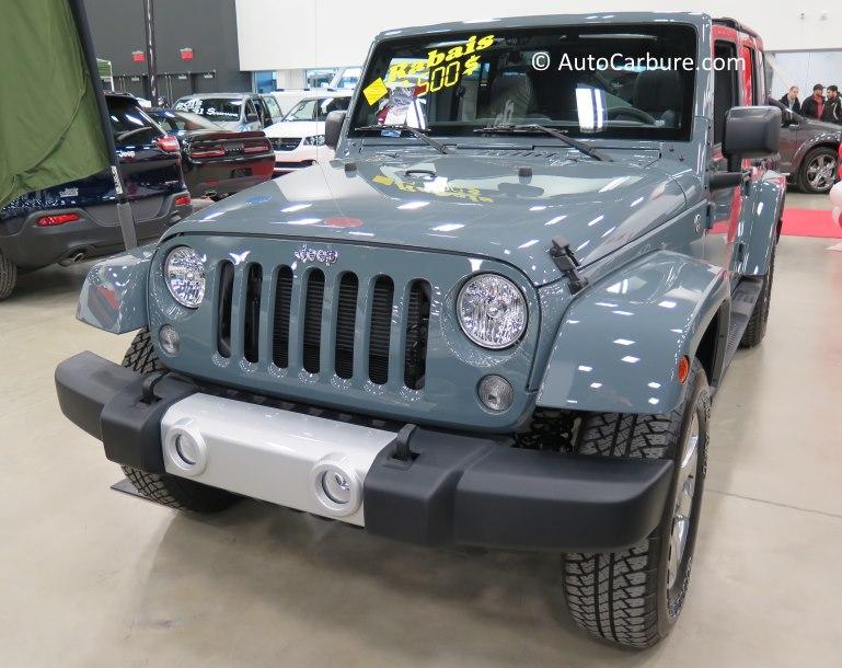 Le Jeep, toujours populaire dans un salon automobile.