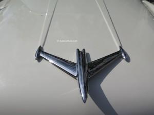 1956 Oldmobile insigne capot