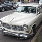 Rencontre inattendue d'une Volvo d'autrefois dans Rosemont