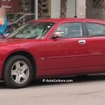 Rencontre inattendue d'un beau Dodge Charger rouge