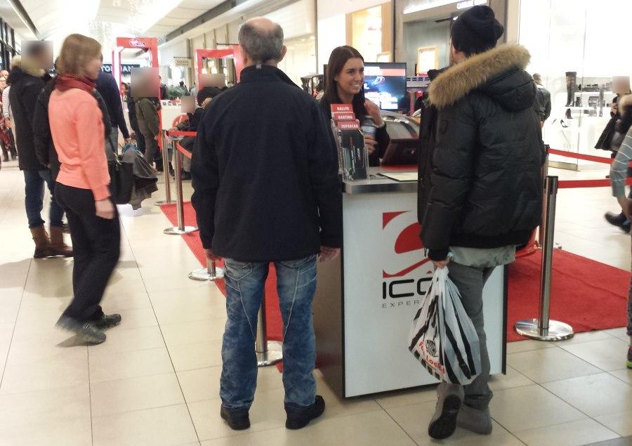 Kiosque ICAR Experience au Carrefour Laval