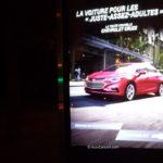 Publicité sur panneau interactif sur abribus tard en soirée, qui Chevrolet tente-t-elle de convaincre?