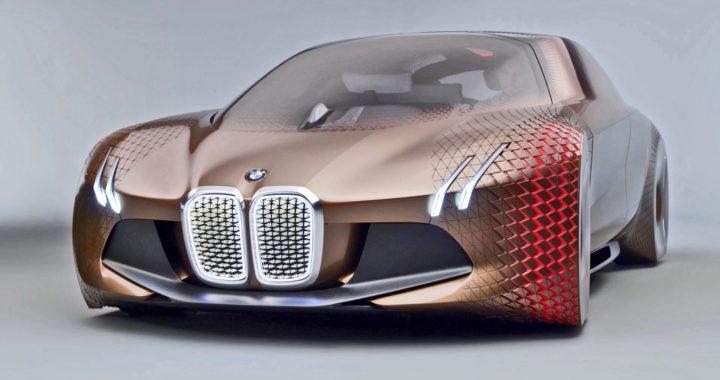 BMW Vision Next 100 sur la page couverture du Guide de l'Auto 2017