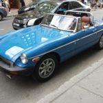 Rencontre inattendue d'un MG bleu à Montréal