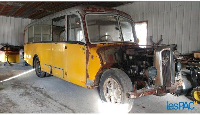 Autobus 1951 Saurer avec moteur diesel