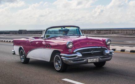voiture à identifier à La Havane, Cuba