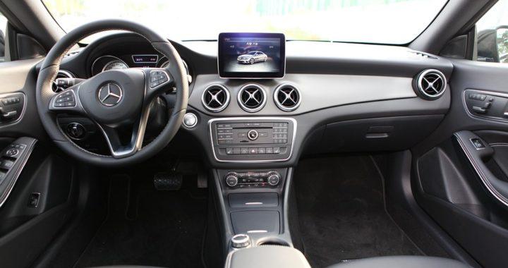 AutoCarbure prône les intérieurs de véhicules avec une couleur pâle